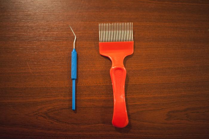 Plastová vidlička a prelarvovacia lyžička
